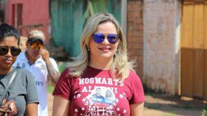 Ada Dantas Boabaid realiza caminhada e visitas a moradores do Três Marias