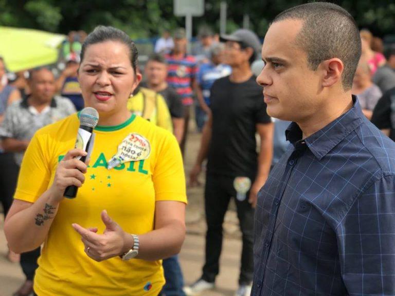 Vereadora Ada Dantas vai às ruas contra aumento abusivo da energia elétrica