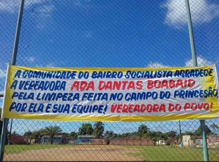 Moradores do Bairro Socialista agradecem limpeza em campo de futebol feita por Ada Dantas e sua equipe