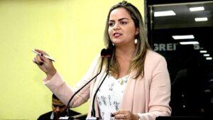 LEI: Ada Dantas alerta sobre materiais que não podem ser cobrados pelas escolas