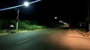 ILUMINAÇÃO PÚBLICA: Estrada dos Japoneses recebe manutenção a pedido da vereadora Ada Dantas