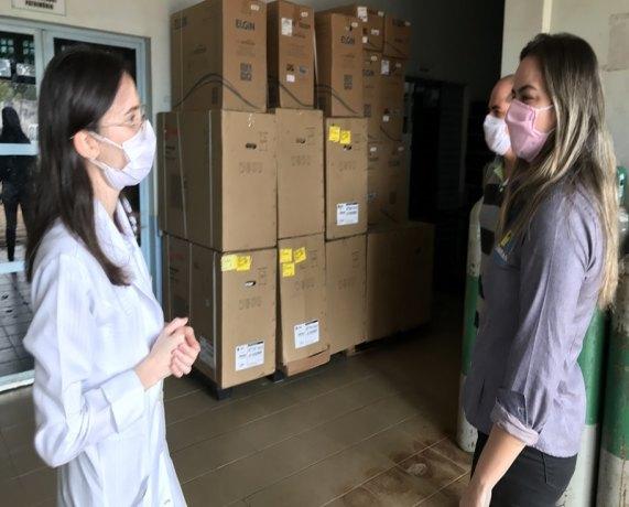 CEMETRON: Vereadora Ada Dantas verifica denúncia de falta de ar condicionado nos leitos