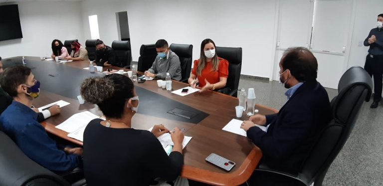 APONIÃ, MORAR MELHOR E CRISTAL CALAMA – Ada Dantas e moradores se reúnem com presidente da ALE-RO para discutir falta de água
